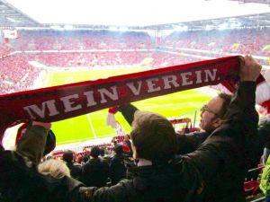 1. FC Köln lud Neubürger ins Rhein-Energie-Stadion ein