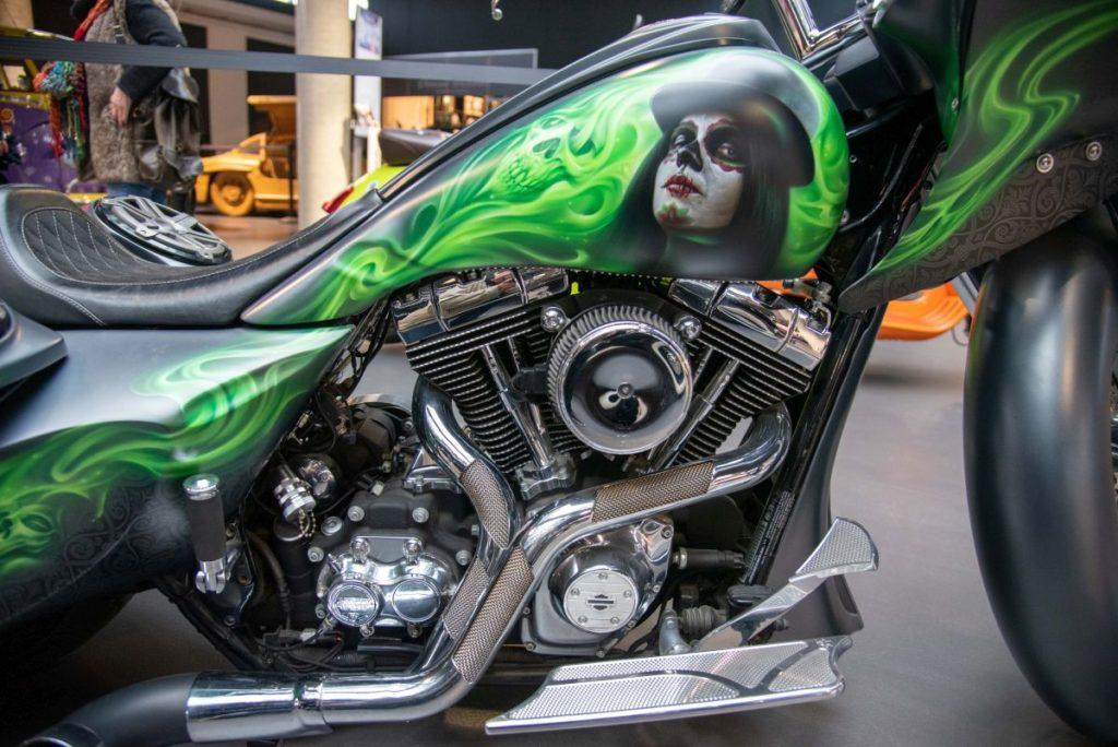 Airbrush auf einem Motorrad